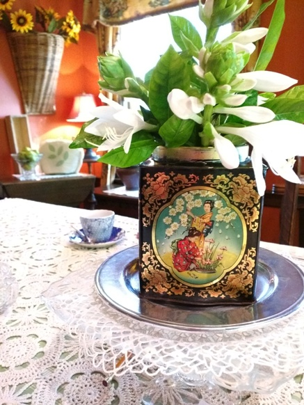 Re-purposing Tea Tins